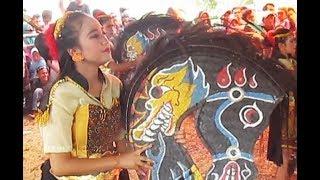 Download Video JATHILAN Babak Putri Full / Kuda Lumping KUDA JINGKRAK Kesurupan / Female Horse Dance [HD] MP3 3GP MP4