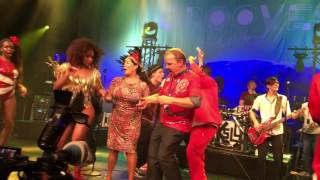 "Kasalla & Cat Ballou & Salgueiro -"" Finale (Explode Coração)"" @ Kölsch trifft Samba"