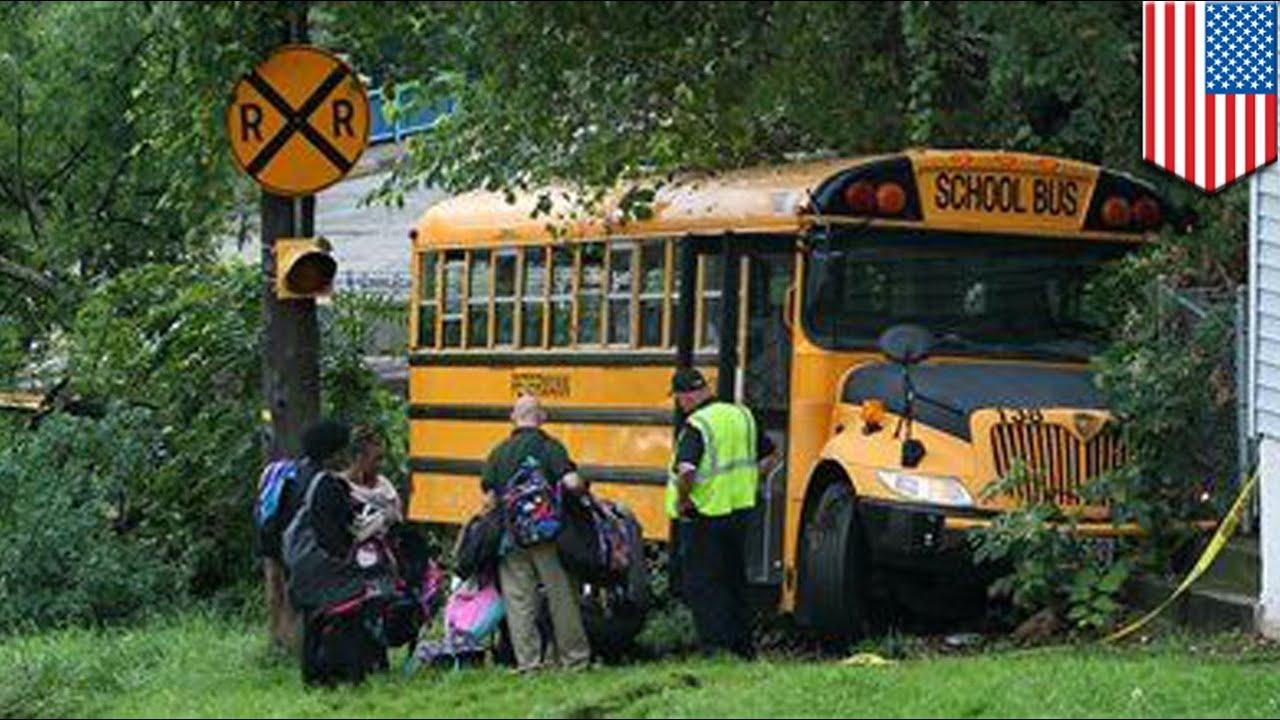 Kierowca autobusu poświęca życie podczas ratowania dziewczynki.