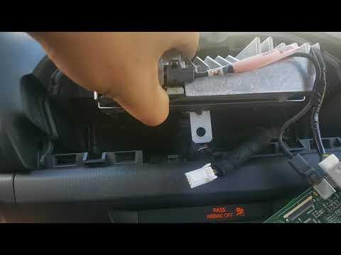 Mazda 3 2014 infotainment fix - YouTube