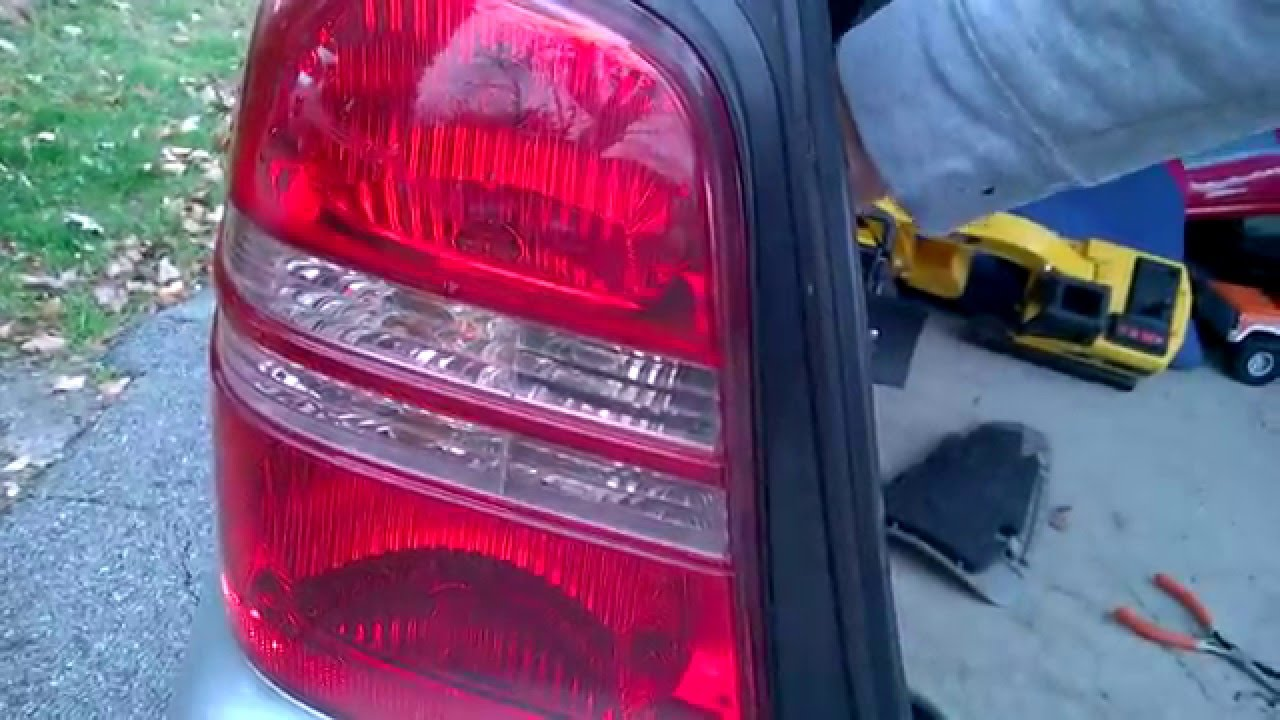 hight resolution of 2002 toyotum celica tail light problem