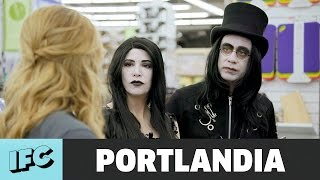 Weirdos Go Shopping | Portlandia | IFC