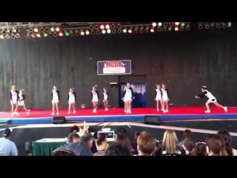 United Day School Elementary Cheerleaders