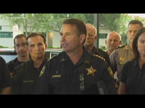 RAW VIDEO: JSO and Mayor Curry addres media following mass shooting streaming vf