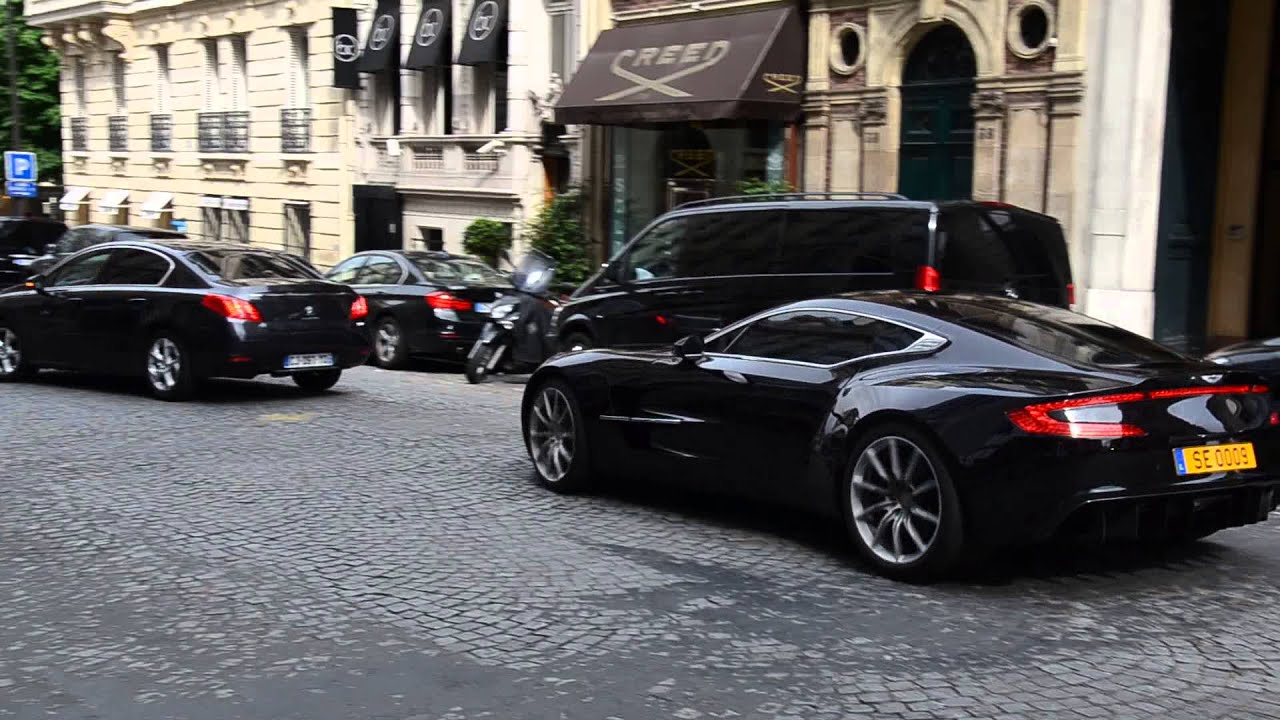 aston martin one 77 in paris youtube. Black Bedroom Furniture Sets. Home Design Ideas