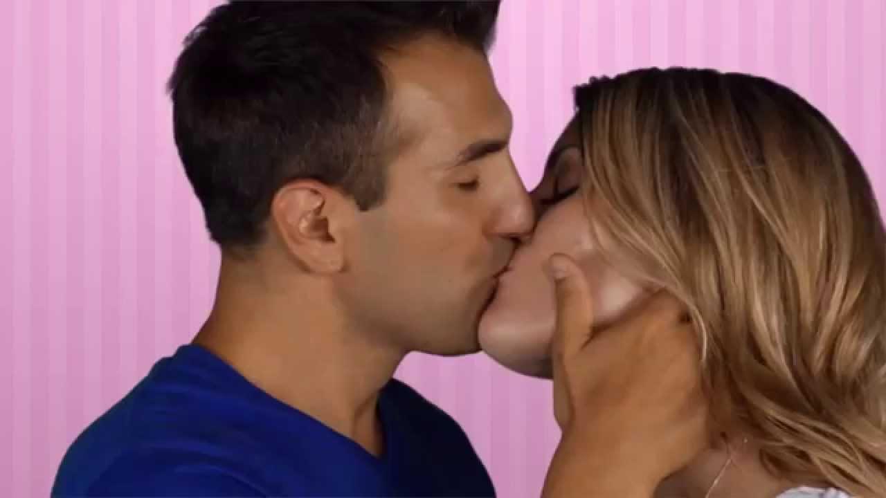 Поцелуй видео французский скачать