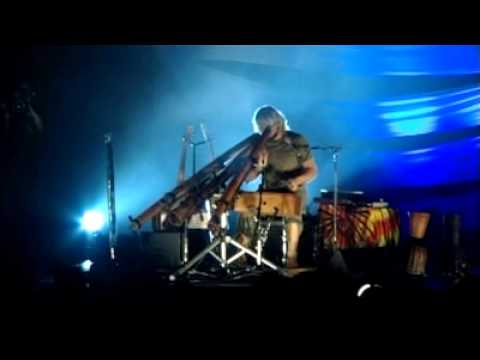 "Xavier Rudd - ""Yirra Kurl"" [Live]"
