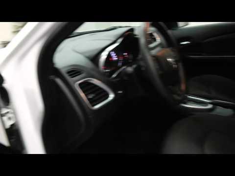 2013-dodge-avenger-4dr-sdn-se-4-door-car