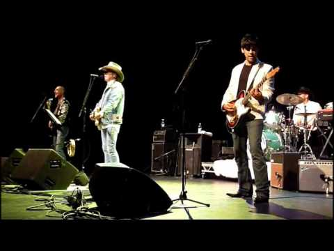 Dwight Yoakam - Dim Lights, Thick Smoke (And Loud, Loud Musi