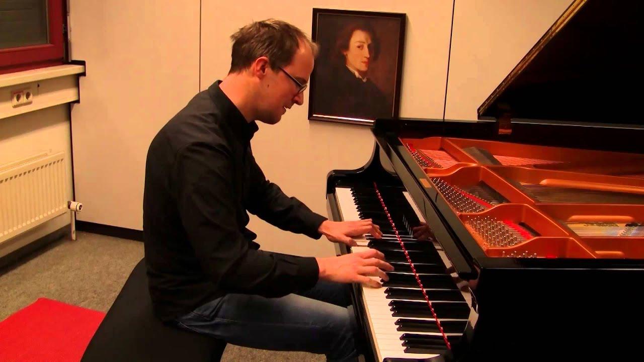 Schubert: Impromptu op. 90 No. 2 - YouTube