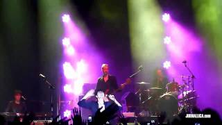 Suede - Saturday Night (Live in Jakarta, Indonesia, 19 March 2011)