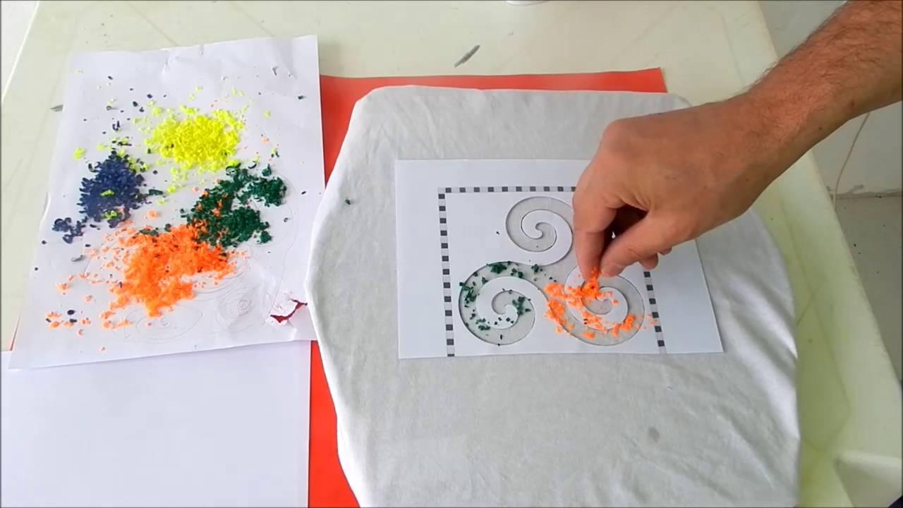 f67cd48270 Como Estampar Camisetas com Giz de Cera - Simples   Prático - YouTube