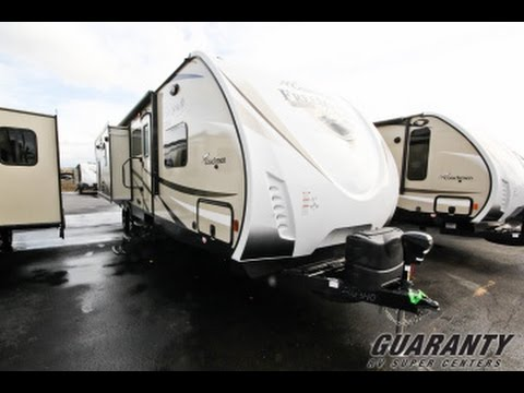 2017-coachmen-freedom-express-322-rlds-le-travel-trailer-video-tour-•-guaranty.com