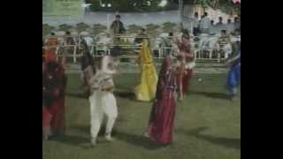 Gujarati Garba Songs - Lions Club Navratri 2010 Kalol - Sarla Dave - Day 2 - Part 18