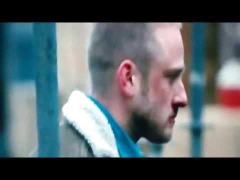 Contraband (2012) Chris saves Kate