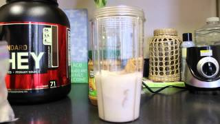 How to Make A Simple Delicious Muscle Building Protein Shake | @laynejacksonfitness