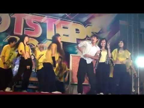 nhóm BFF Chip Bom Nam Phương -  giải nhất đêm chung kết Hot Step 2011 -