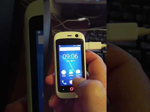 Short demonstration of the Jelly smartphone