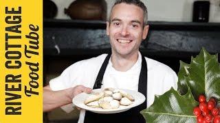 Christmas Mince Pie Pasties | Gelf Alderson