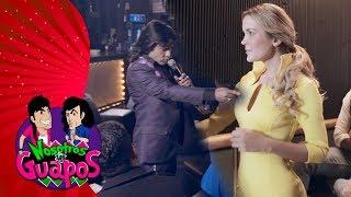 Nosotros los guapos: Albertano, la nueva estrella vernácula 🎙| C11 - Temporada 4 | Distrito Comedia