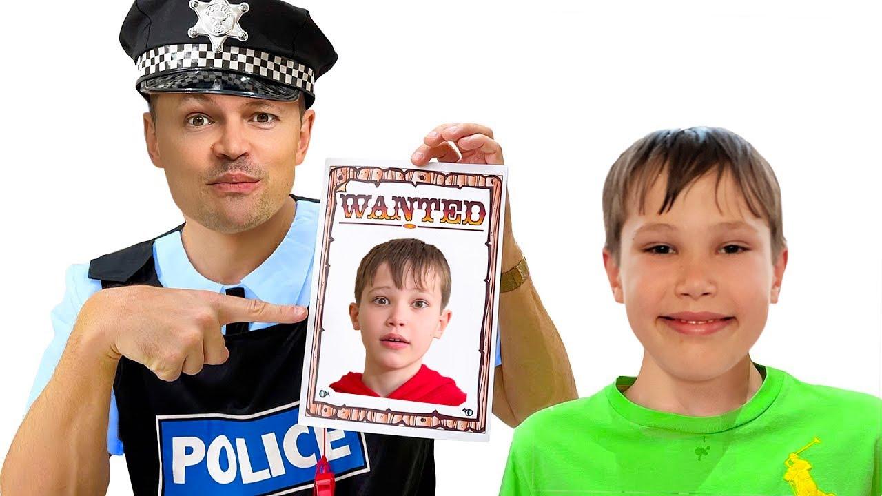 Макс и Катя забрали желейные конфеты у полиции