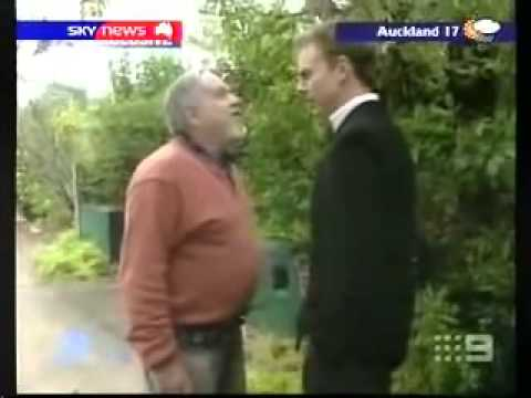 HEAPS CRAZY AUSTRALIAN Paedophile go BESERK on News Reporter