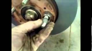 How to replace front brake pads Mitsubishi Outlander √(, 2013-06-05T15:01:36.000Z)