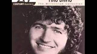 Mac Davis - Baby Don't Get Hooked On Me