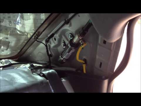 видео: Шумоизоляция задней полки Киа Рио 3