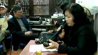 Một buổi học hát của CLB Đàn và hát Dân ca của Đài TNVN
