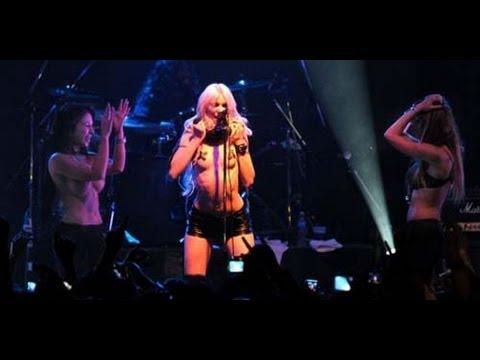 Singers naked