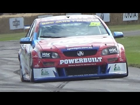 Ford Vs Holden - V8 Supercars Engine Sound Battle!
