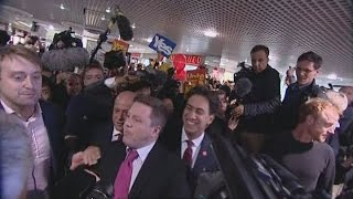Scottish independence: Yes campaigners disrupt Ed Miliband | Channel 4 News
