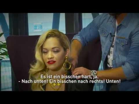 Rita Ora Wird Vom Moderator Verwöhnt! (4/6)