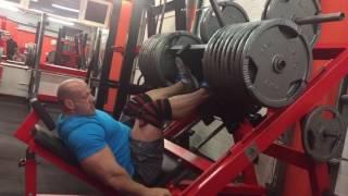 700kg na nogi z Koksem 2017 Video