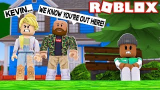 HIDING FROM MY EVIL PARENTS IN ROBLOX