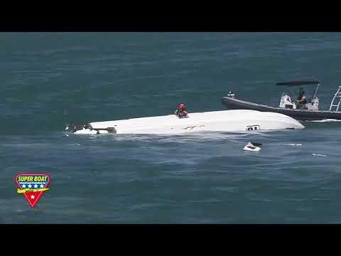 Dramatic Powerboat Race Crash (Video)