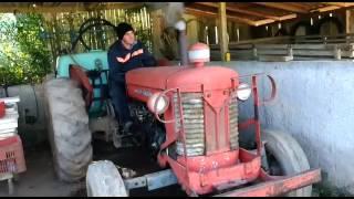 Trator Massey Ferguson 65x Perkins  dando partida em dia de geada