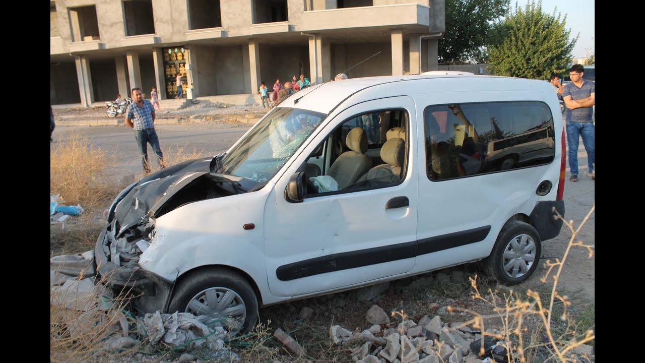 Otomobil İle Hafif Ticari Araç Çarpıştı: 4 yaralı