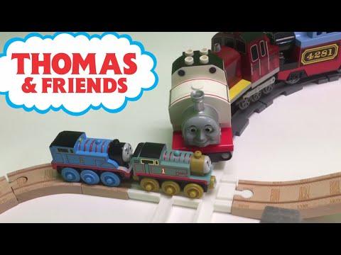 Thomas Wooden Railway Train vs LEGO DUPLO Trains