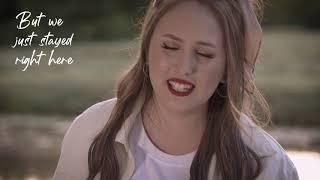 7YFN feat. Salina - Walking On Clouds (official lyrics video)