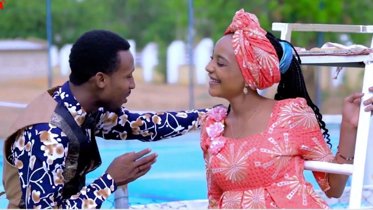 Download Sabuwar Waka (Duniyar Aure) Latest Hausa Song Video 2020# Ft Tumba Gwaska..