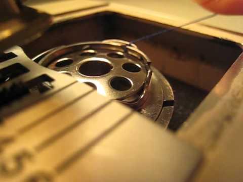 Elna lotus sp installer la canette de la machine for Machine a coudre riccar
