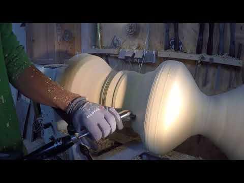 drechseln eines Kaffeetisches aus einem Stamm , woodturning a log into a big coffeetable DIY