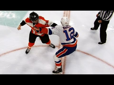 Top liners Sean Couturier, Josh Bailey drop the gloves