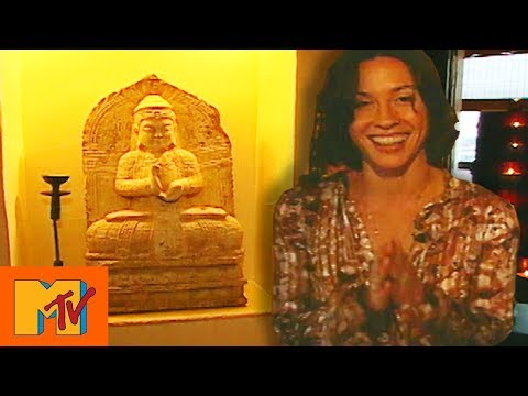 Alanis Morissette's Eastern Alters In Her Asian-Inspired Pad | Cribs