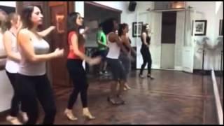 Yolanda  Reis  clases de samba no pé.