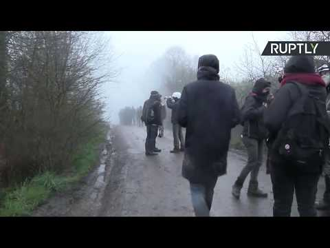 L'expulsion des occupants de la ZAD à Nantes a lieu dans une ambiance tendue