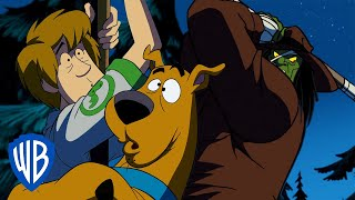 Scooby-Doo! | Frightened Up the Flagpole