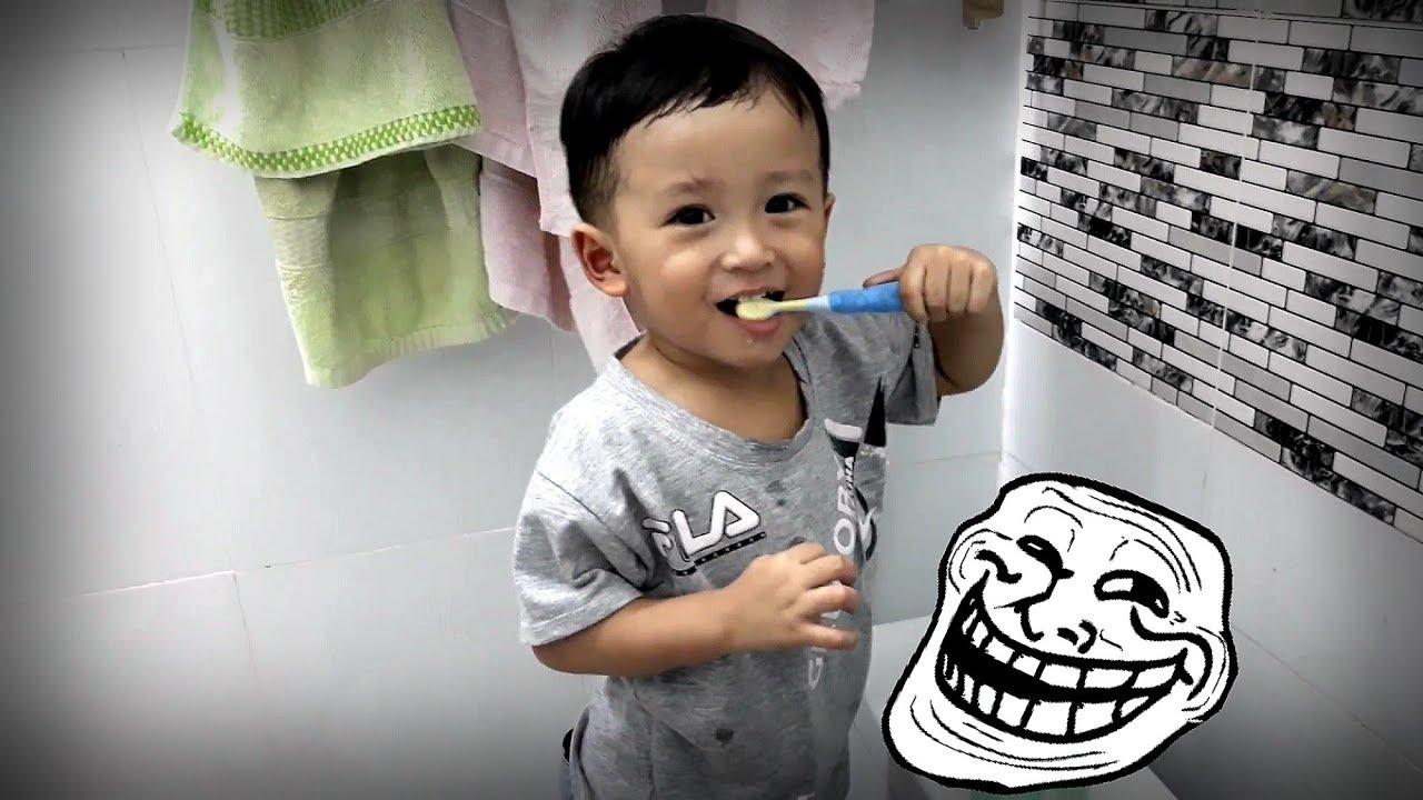 Khánh Thiên Baby học cách đánh răng đúng cách - Sky Channel
